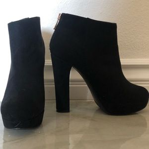 ALDO Black Suede Ankle Low Cut Platform Boots Heel